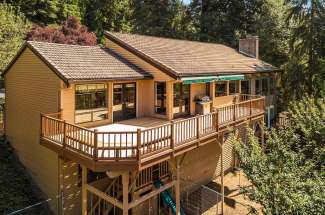 Inviting Daylight Rambler | Bridle Trails | Bellevue