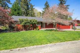 NEWPORT HILLS | Bellevue