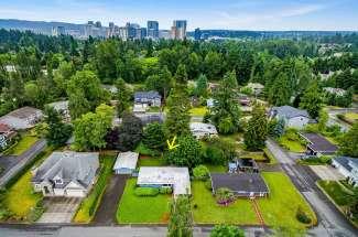 Sunlit Rambler | Level Lot | Bellevue