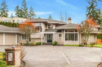 Traditional Two-Story | Medina