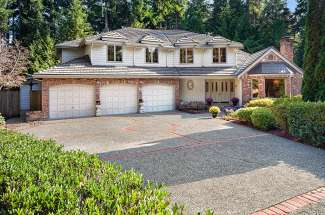 Grand Traditional   Bridle Trails   Bellevue