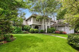 Classic Two-Story | Bridle Trails | Bellevue