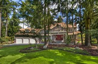 Traditional Two-Story | Bridle Trails | Bellevue