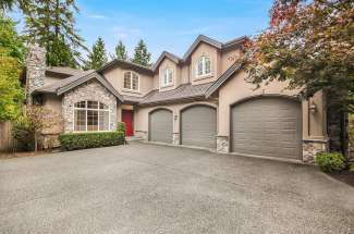 Inviting Two-Story | Enatai | Bellevue