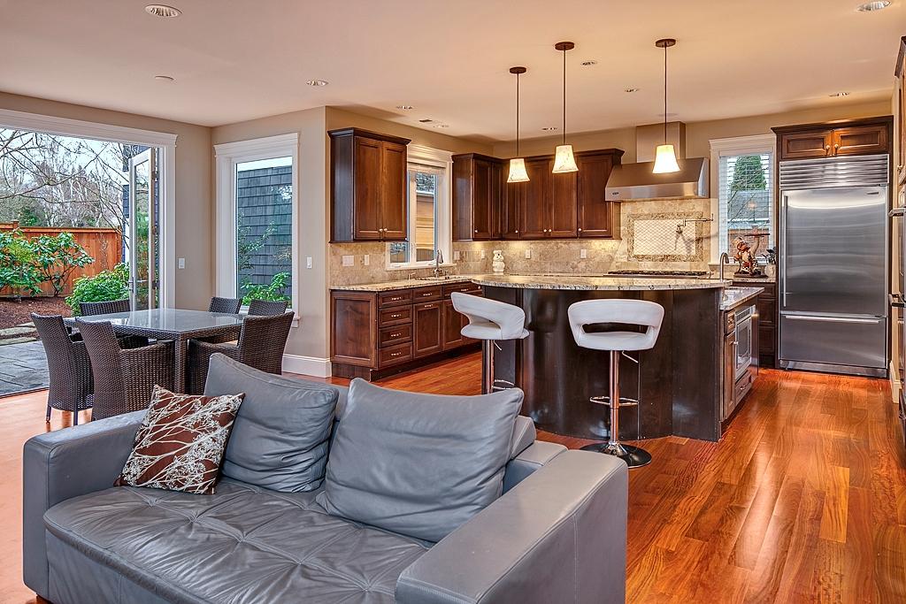 livingroom-kitchen_mls