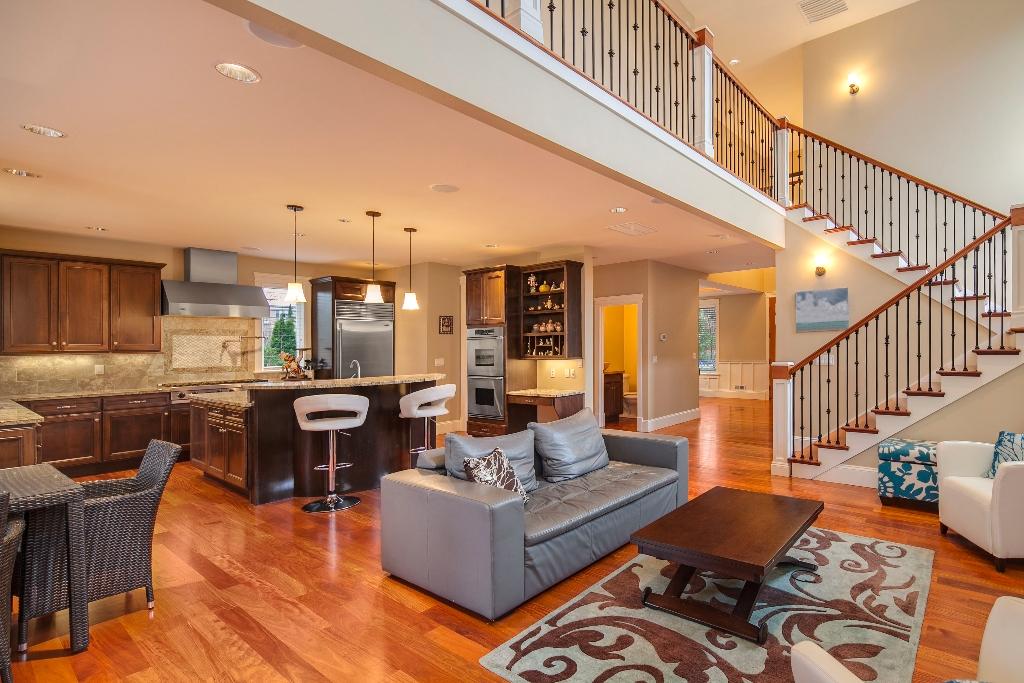 livingroom-wide_mls