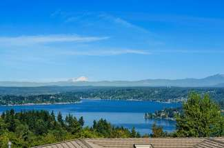 Exceptional View Estate | Lakemont | Bellevue