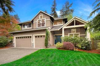 Traditional Two Story | Enatai | Bellevue