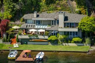 Lakefront Living | West Lake Sammamish | Redmond